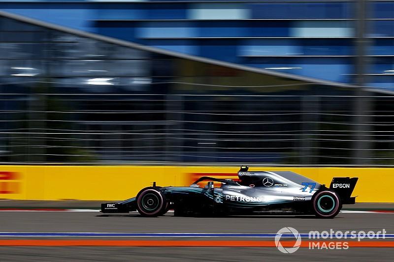 Hamilton a voulu échanger son trophée avec Bottas — GP de Russie