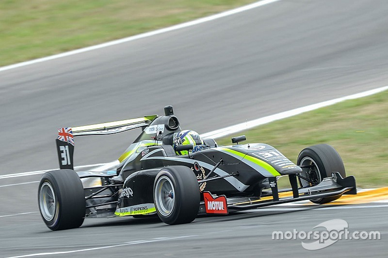 Taupo TRS: Norris holds off Piquet for fourth win