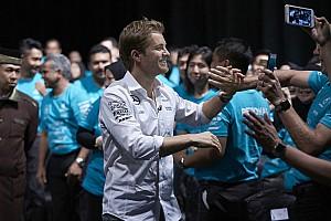 Формула 1 Самое интересное «Это определенно великий чемпион». Гонщики об уходе Росберга из Ф1