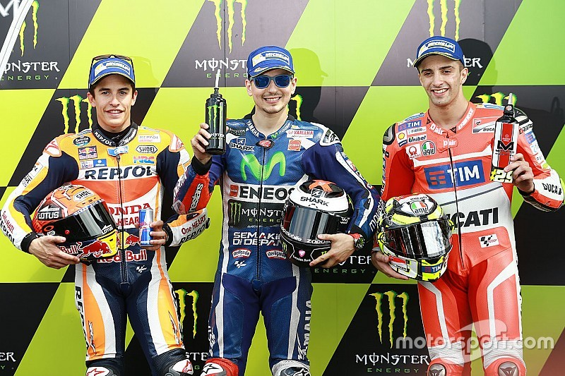 Le Mans MotoGP: Lorenzo storms to pole, Rossi on third row