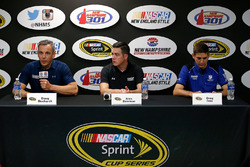 Doug Duchardt, Hendrick Motorsports general manager, Alex Bowman and Greg Ives, Dale Earnhardt Jr.'s crew chief