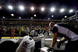 Felipe Massa, Williams Martini Racing, climbs out of his car on the grid