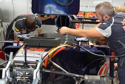 Daniil Kvyat, Scuderia Toro Rosso STR11 car detail
