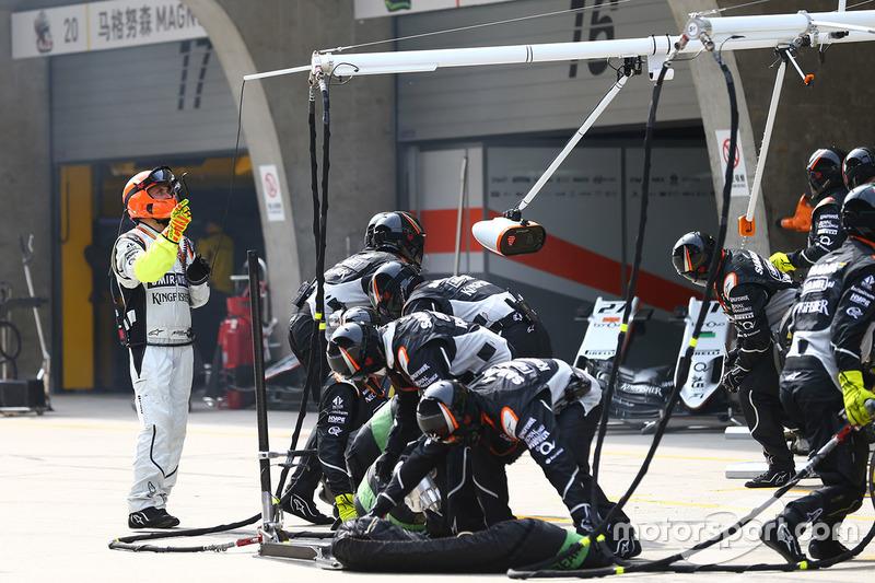 Sahara Force India F1 pit stop