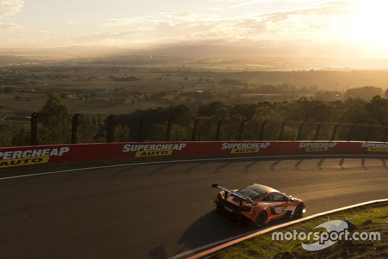 3. #59 Tekno Autosports McLaren 650S: Shane van Gisbergen, Alvaro Parente, Jonathon Webb