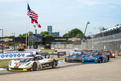 Start: #5 Action Express Racing Corvette DP: Joao Barbosa, Christian Fittipaldi leads