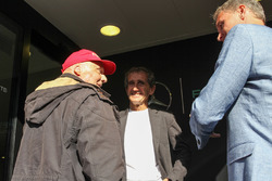 (L to R): Niki Lauda, Mercedes Non-Executive Chairman with Alain Prost, and David Coulthard, Red Bull Racing and Scuderia Toro Advisor / Channel 4 F1 Commentator
