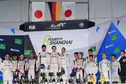 Podium: race winners #1 Porsche Team Porsche 919 Hybrid: Timo Bernhard, Mark Webber, Brendon Hartley, second place #6 Toyota Racing Toyota TS050 Hybrid: Stéphane Sarrazin, Mike Conway, Kamui Kobayashi, third place #5 Toyota Racing Toyota TS050 Hybrid: Anth