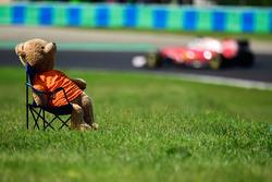Sebastian Vettel, Ferrari SF16-H passes a teady bear