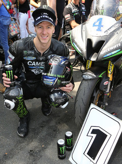 Race winner Ian Hutchinson, Yamaha