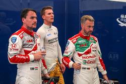 Norbert Michelisz, Honda Racing Team JAS, Honda Civic WTCC; Hugo Valente, LADA Sport Rosneft, Lada Vesta; Tiago Monteiro, Honda Racing Team JAS, Honda Civic WTCC