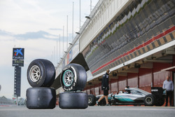 2017 and 2016 Pirelli tyres