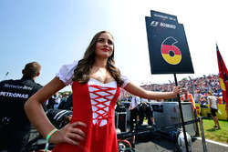 Grid girl for Nico Rosberg, Mercedes AMG F1