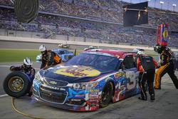 Austin Dillon, Richard Childress Racing Chevrolet, pit action
