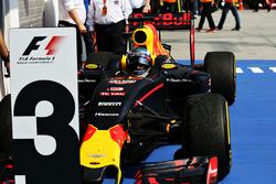 Third place Daniel Ricciardo, Red Bull Racing RB12 in parc ferme