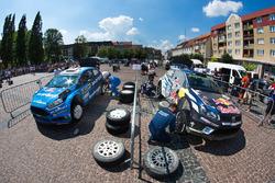 Mads Ostberg, Ola Floene, M-Sport Ford Fiesta WRC and Jari-Matti Latvala, Miikka Anttila, Volkswagen Polo WRC, Volkswagen Motorsport