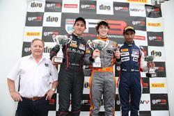 Winner Matheus Leist, Double R Racing, second place Thomas Randle, Douglas Motorsport, third place Tarun Reddy, Fortec Motorsports
