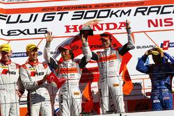 Podium: GT300 winners #55 Autobacs Racing Team Aguri BMW M6 GT3: Shinichi Takagi, Takashi Kobayashi
