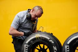 Pirelli tyre technician with Renault Sport F1 Team tyres