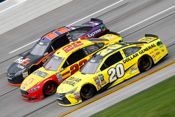 Matt Kenseth, Joe Gibbs Racing Toyota, Joey Logano, Team Penske Ford, Denny Hamlin, Joe Gibbs Racing Toyota