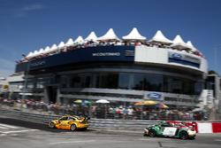 Nicky Catsburg, LADA Sport Rosneft, Lada Vesta and Mehdi Bennani, Sébastien Loeb Racing, Citroën C-Elysée WTCC