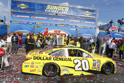 Matt Kenseth, Joe Gibbs Racing Toyota's car sitting in Victory Lane after his win