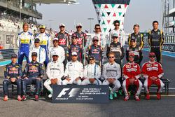 Temporada 2016 F1-abu-dhabi-gp-2016-the-end-of-season-group-drivers-group-photograph