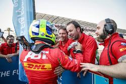 Winner Lucas di Grassi, ABT Schaeffler Audi Sport in parc ferme with his team