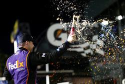 Winner Denny Hamlin, Joe Gibbs Racing Toyota