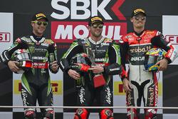 Podium: race winner Tom Sykes, Kawasaki Racing, Jonathan Rea, Kawasaki Racing, third place Chaz Davies, Ducati Team