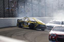 Carl Edwards, Joe Gibbs Racing Toyota, crash
