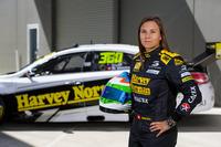 Supercars Photos - Simona de Silvestro, Nissan Motorsports