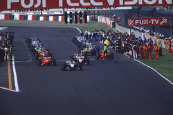 Michael Schumacher, Ferrari is forced to start from the back of the grid