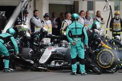 Temporada 2016 F1-mexican-gp-2016-nico-rosberg-mercedes-amg-f1-w07-hybrid-makes-a-pit-stop