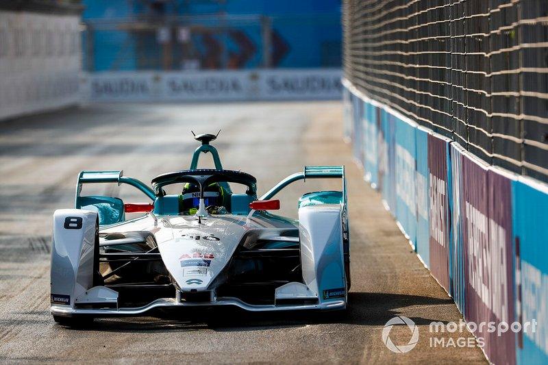 F1 stars struggle on Formula E debut