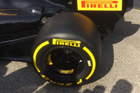 Formula 1 Photos - Pirelli tyre detail