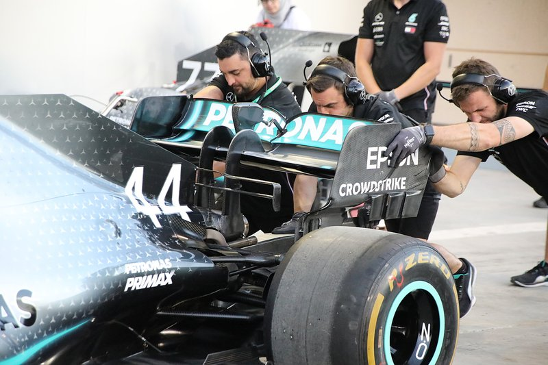 Formula 1: in Barhain è ancora doppietta Mercedes, terzo Leclerc