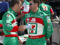 IRL: Kanaan gulps them down for pole at Homestead