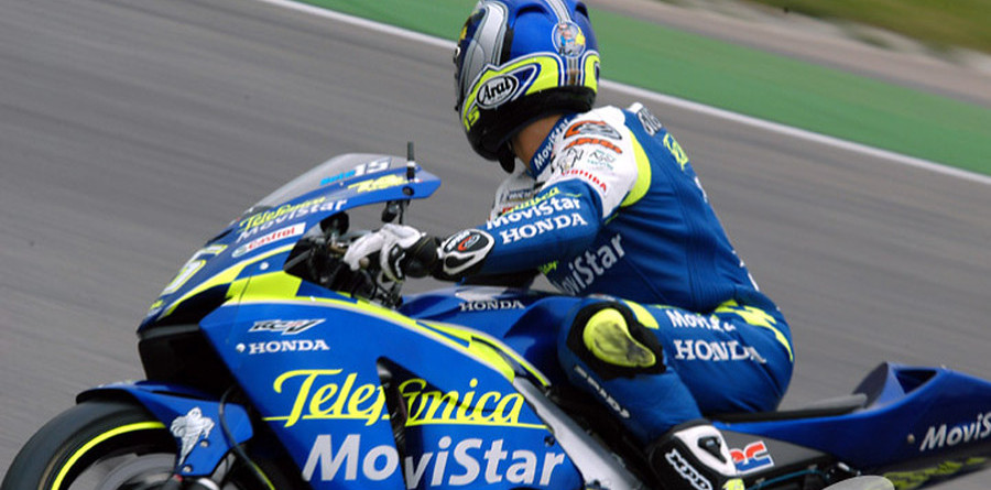 Gibernau maintains control of the French GP