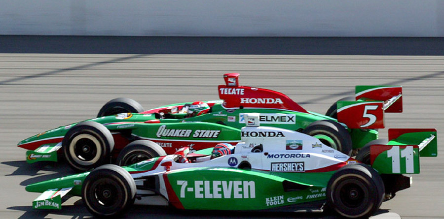 IRL: Fernandez gets Fontana win, Kanaan is champion