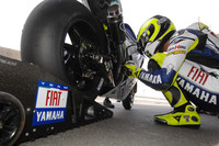 Yamaha on top in Qatar on day one