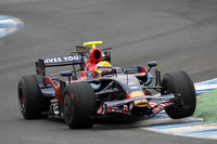Toyota, Toro Rosso top Bahrain, Jerez test day