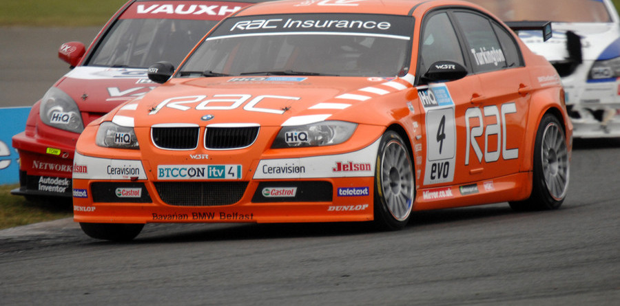 BTCC heads to penultimate round at Rockingham