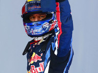 Webber takes Spanish GP pole ahead of Vettel