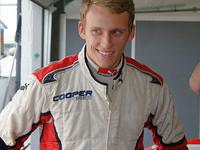 McKenzie Sprints to Brands Hatch win