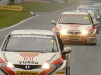 Honda duo takes battle to Rockingham