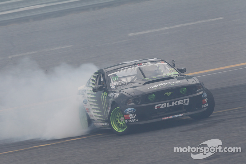 Ford Racing interview:  Vaughn Gittin Jr.