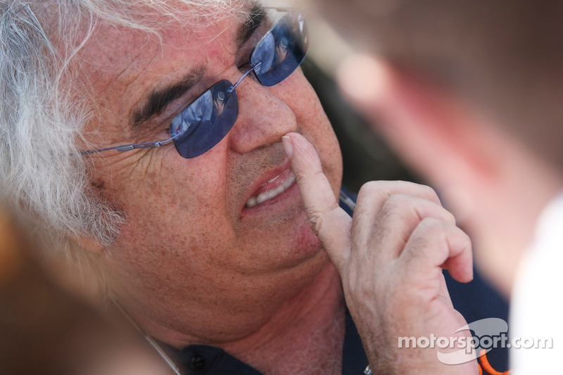 Schumacher is 'helper' at Mercedes - Briatore