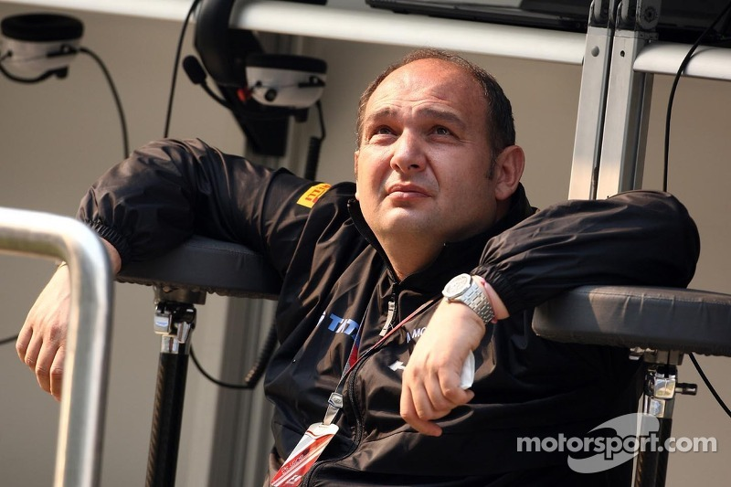 Customer cars wrong for Formula One insists HRT's Kolles