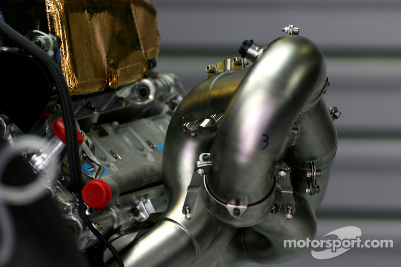 Three teams try 2012 exhaust layouts in Abu Dhabi